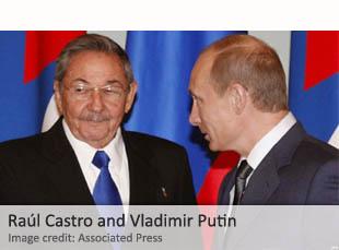Raúl Castro and Vladimir Putin